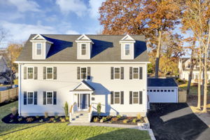 4 Flatley Ave, Manchester-by-the-Sea, MA 01944, US Photo 1