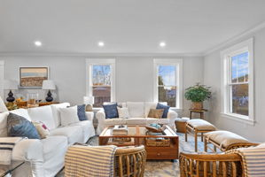 4 Flatley Ave, Manchester-by-the-Sea, MA 01944, US Photo 27
