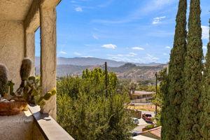 82 Arnaz Dr, Oak View, CA 93022, USA Photo 14