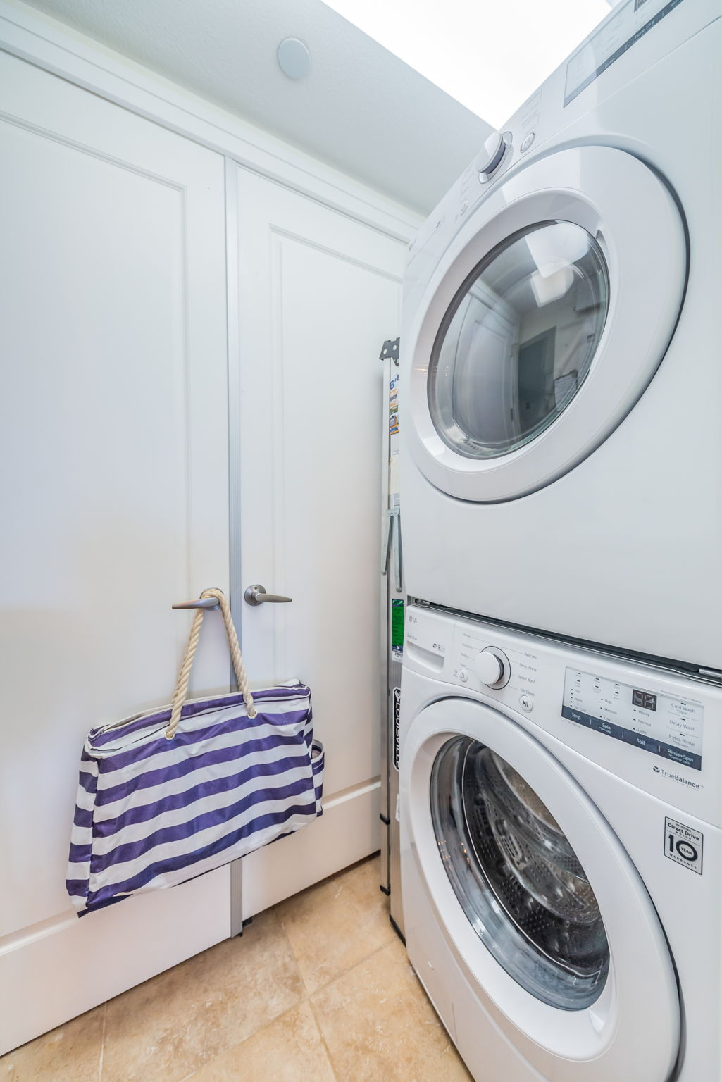Laundry Room-2