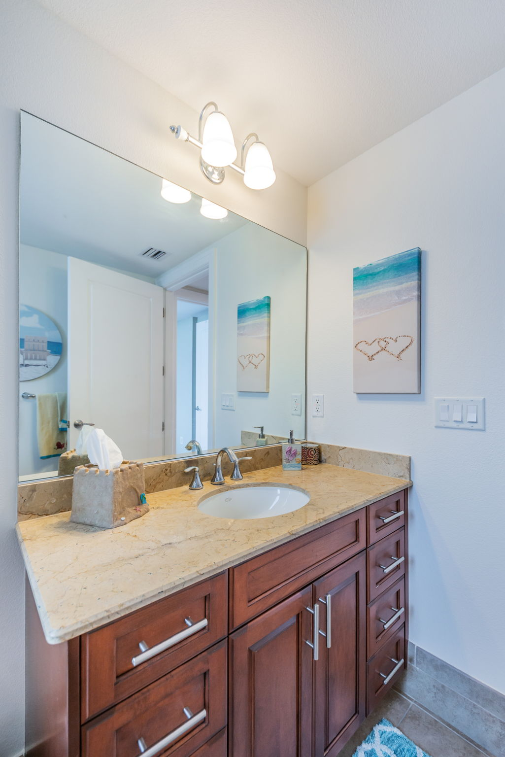 Bathroom 2b-2