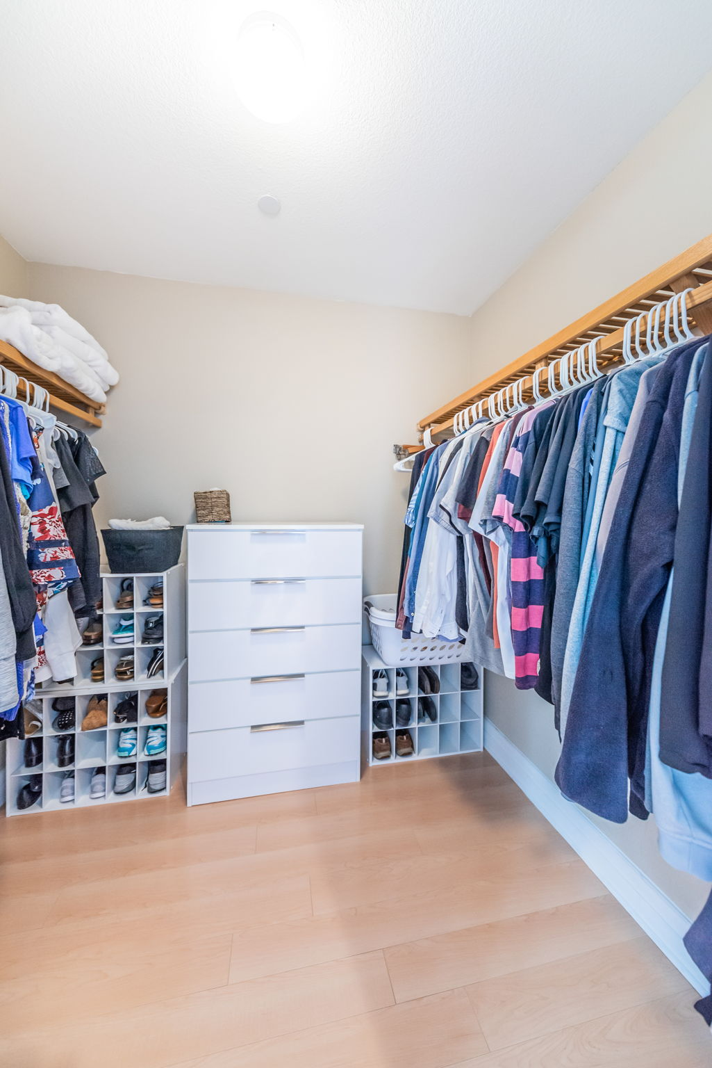 Master Bedroom Walk-in Closet-2