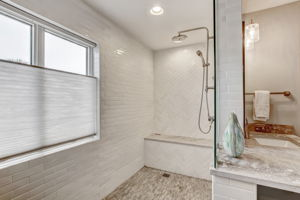 Master Bath - Walk-in Shower equipped with  heating towel rack