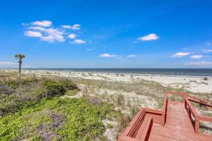 Seaside Retreat - Private Beach Access Walkway