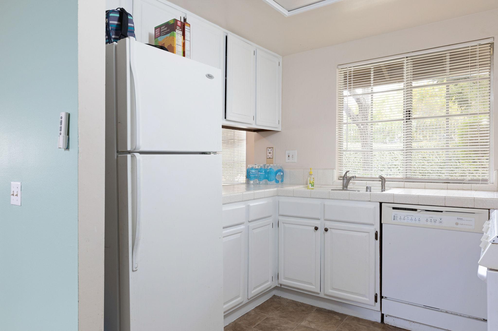 Plenty of storage in kitchen