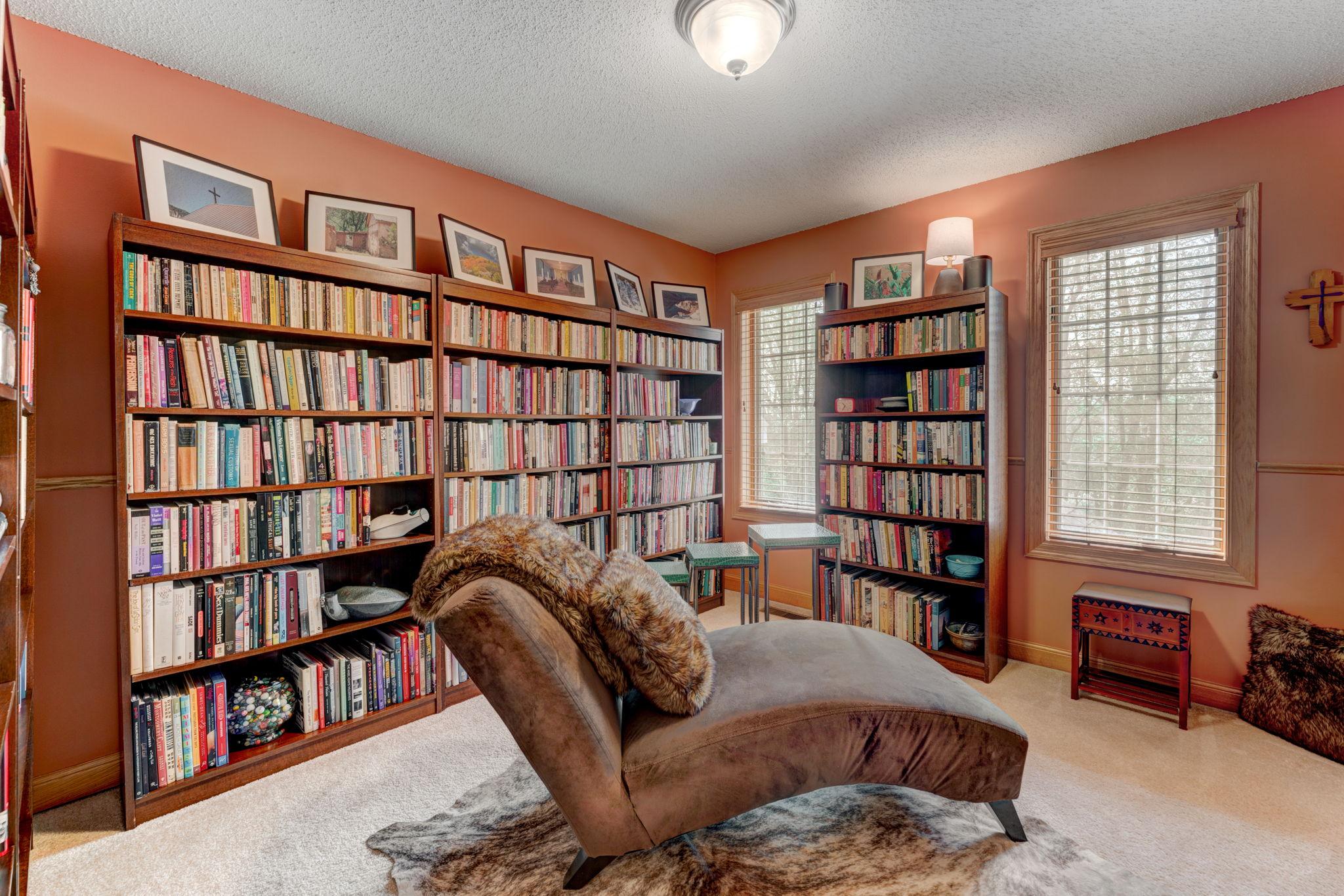 Upper Level Bedroom/Den