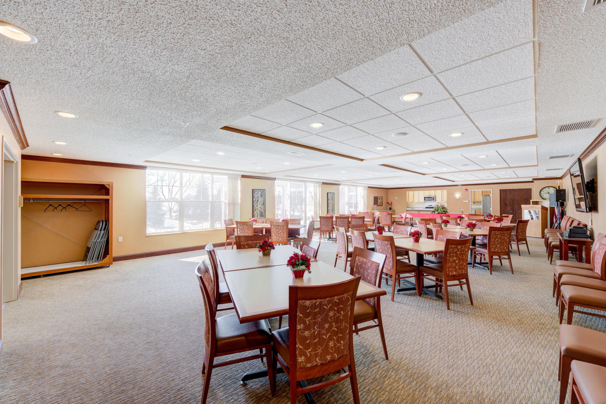 Ridge Room/Dining Room