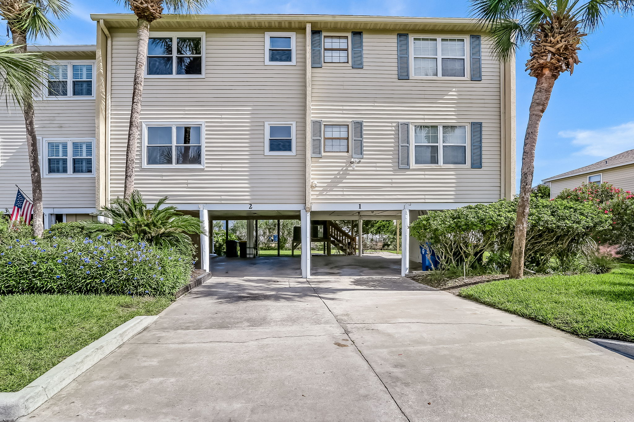 Welcome to 925 Tarpon Ave Unit 2