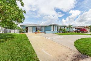 4330 Orange Grove Blvd, North Fort Myers, FL 33903, USA Photo 2