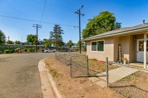 697 Goodhope St, Oak View, CA 93022, USA Photo 4