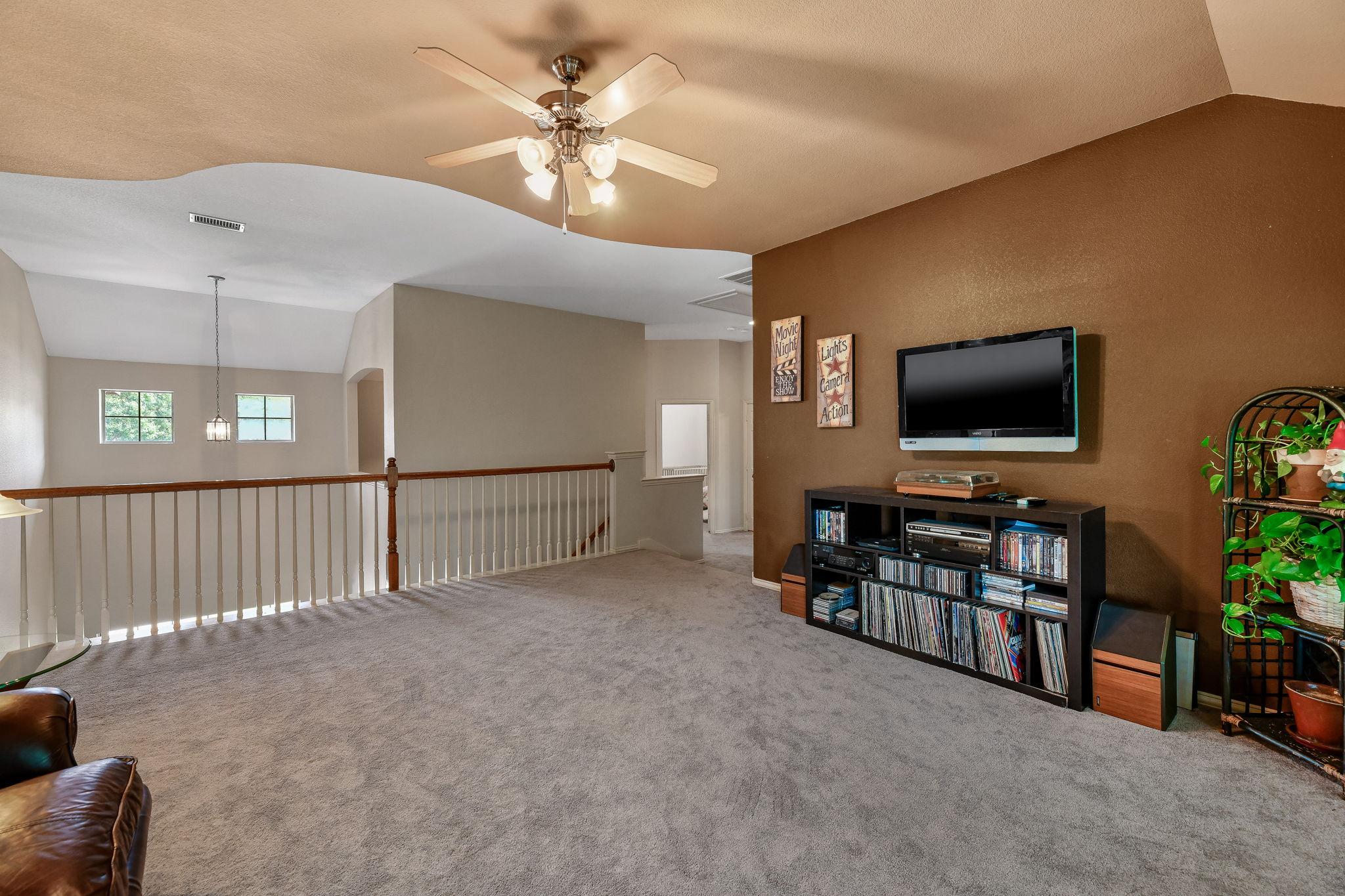 022-Upstairs Living-FULL