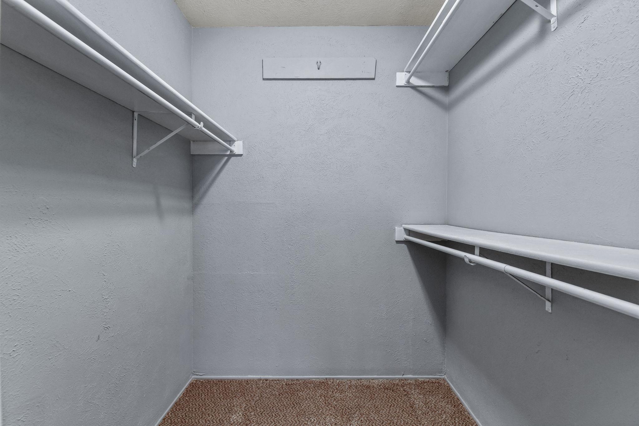 016-Closet-FULL