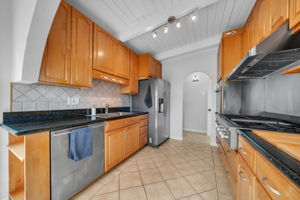 204 Stanley Ave, Pacifica, CA 94044, USA Photo 8