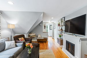 167 Savin Hill Ave, Boston, MA 02125, USA Photo 5