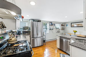 167 Savin Hill Ave, Boston, MA 02125, USA Photo 7