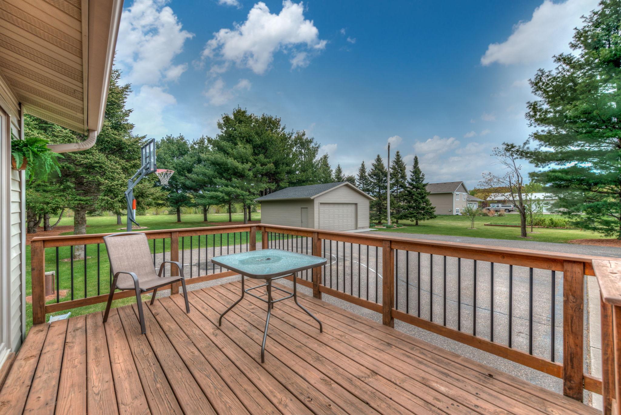 Deck/Front Porch