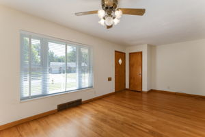 10151 Maryvale Ln, Affton, MO 63123, US Photo 3