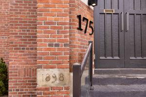 175 Jones Ave 6, Toronto, ON M4M 3A2, CA Photo 1