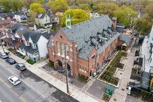 175 Jones Ave 6, Toronto, ON M4M 3A2, CA Photo 5
