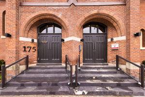 175 Jones Ave 6, Toronto, ON M4M 3A2, CA Photo 3