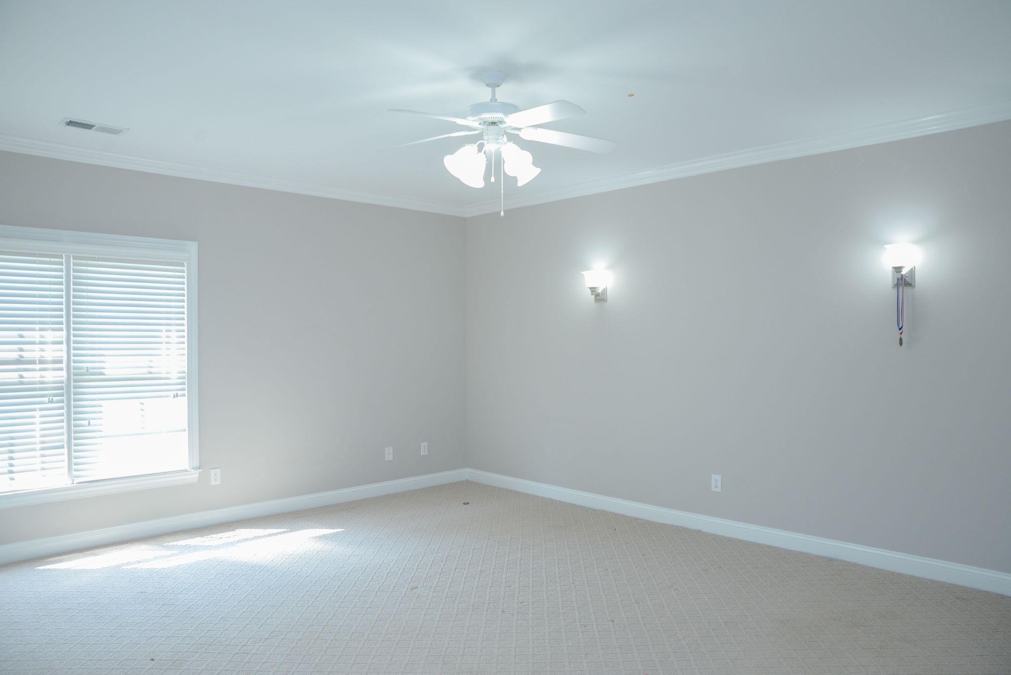 First floor (12)