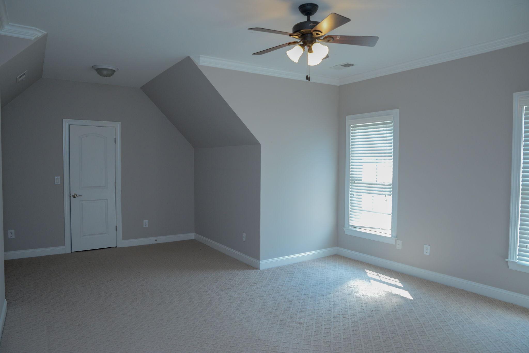 First floor (16)