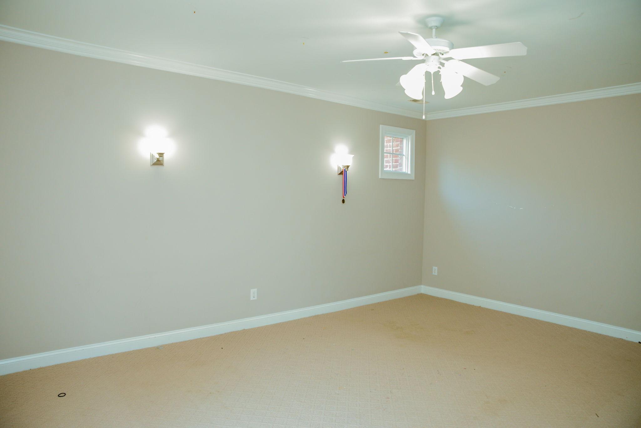 First floor (11)