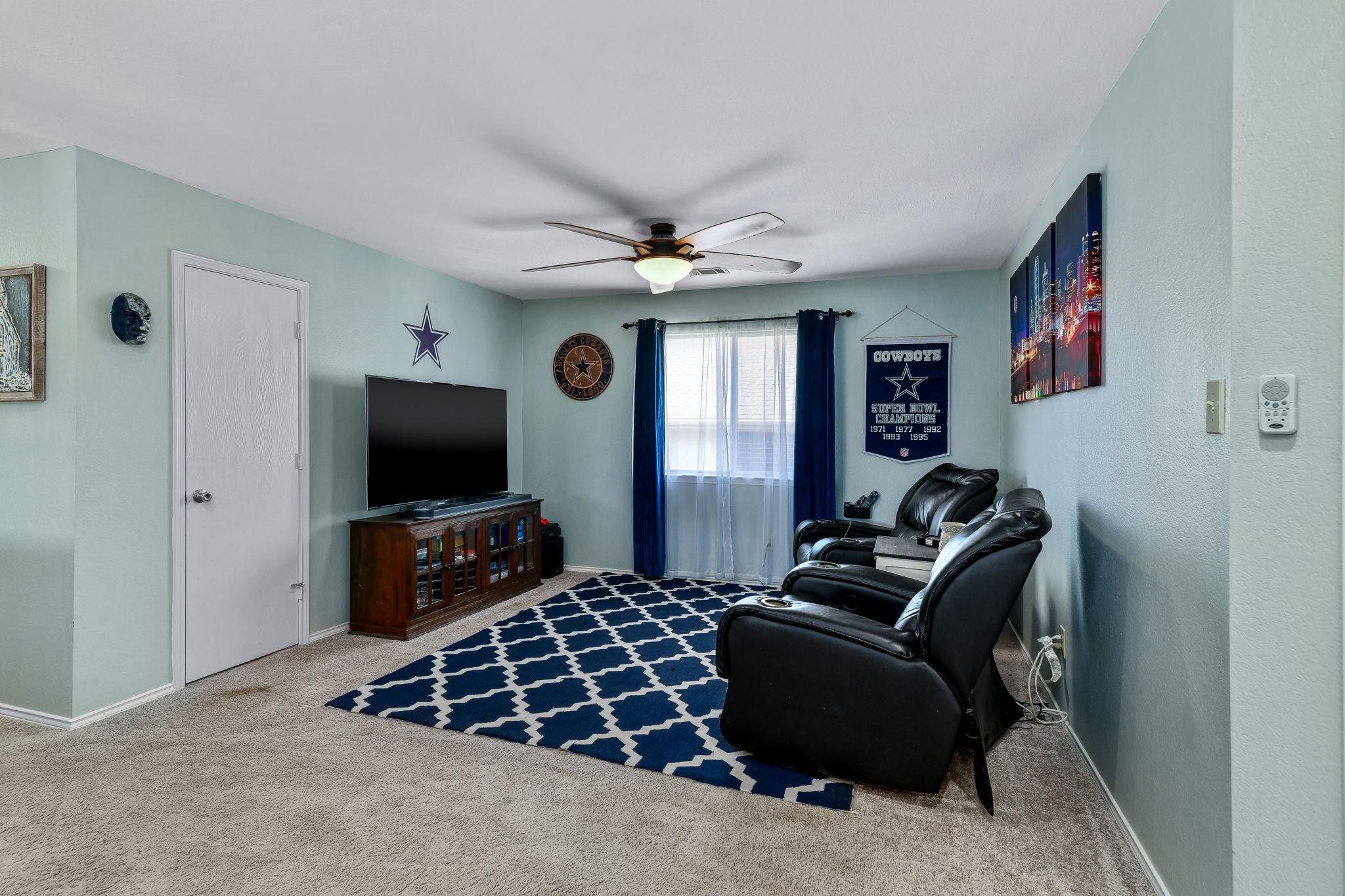 017-Upstairs Living-FULL