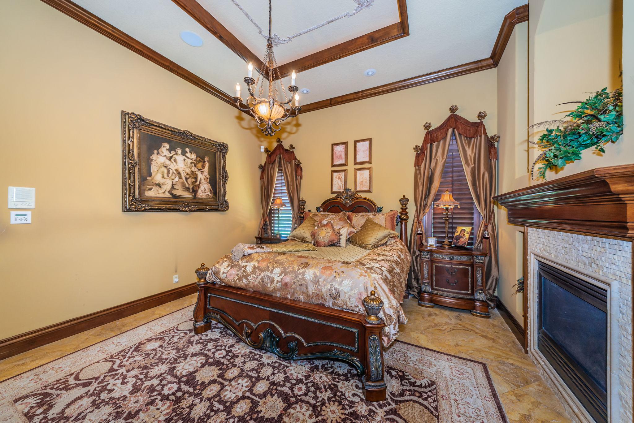 Master Bedroom1h