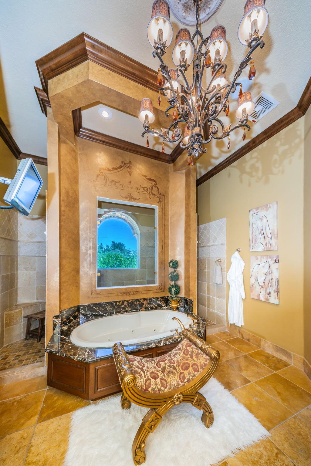 Master Bathroom1b-2
