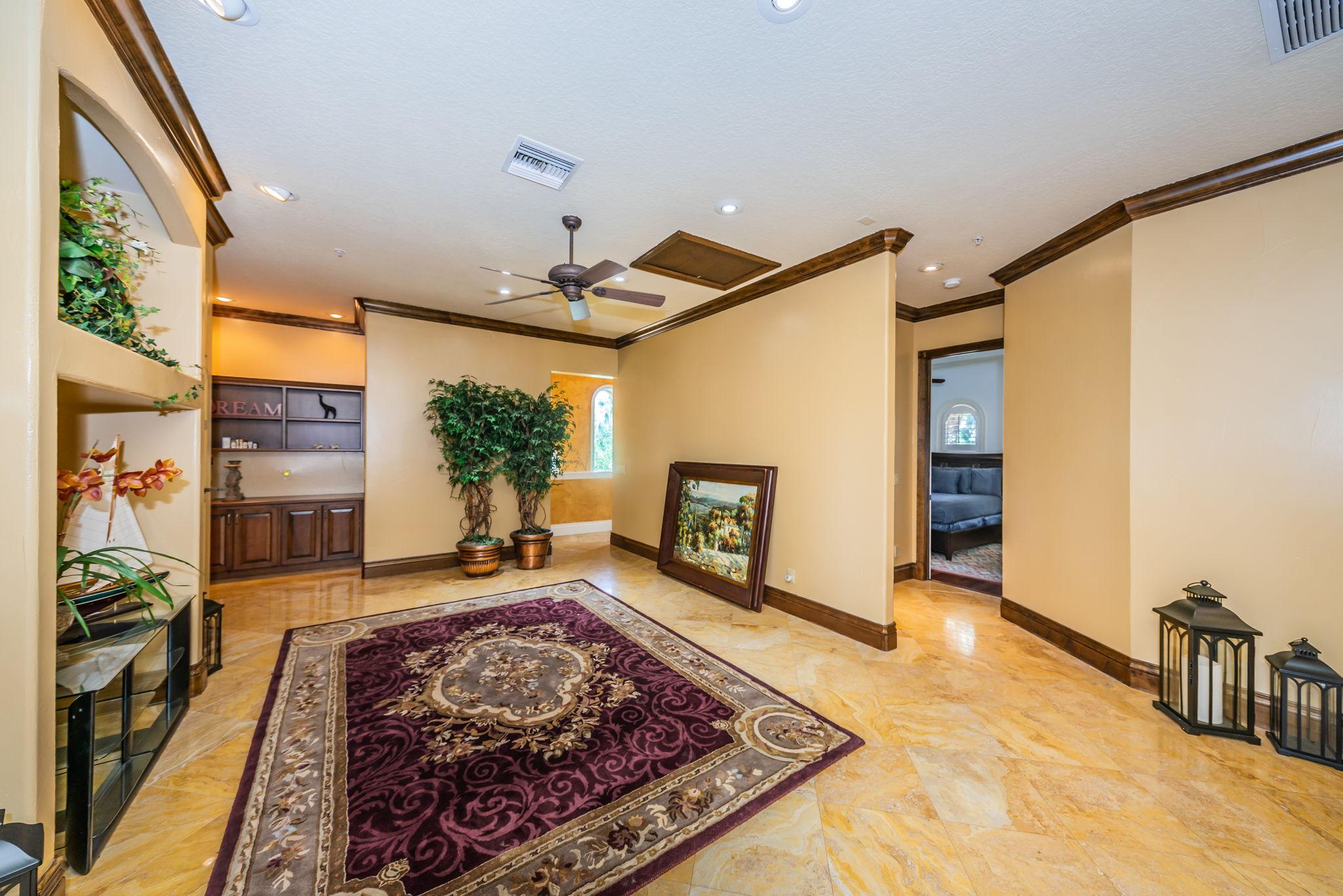 Upper Level Bonus Room1d