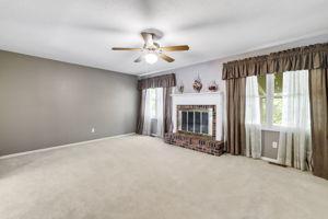 4147 Attleboro Ct, St Charles, MO 63304, USA Photo 5