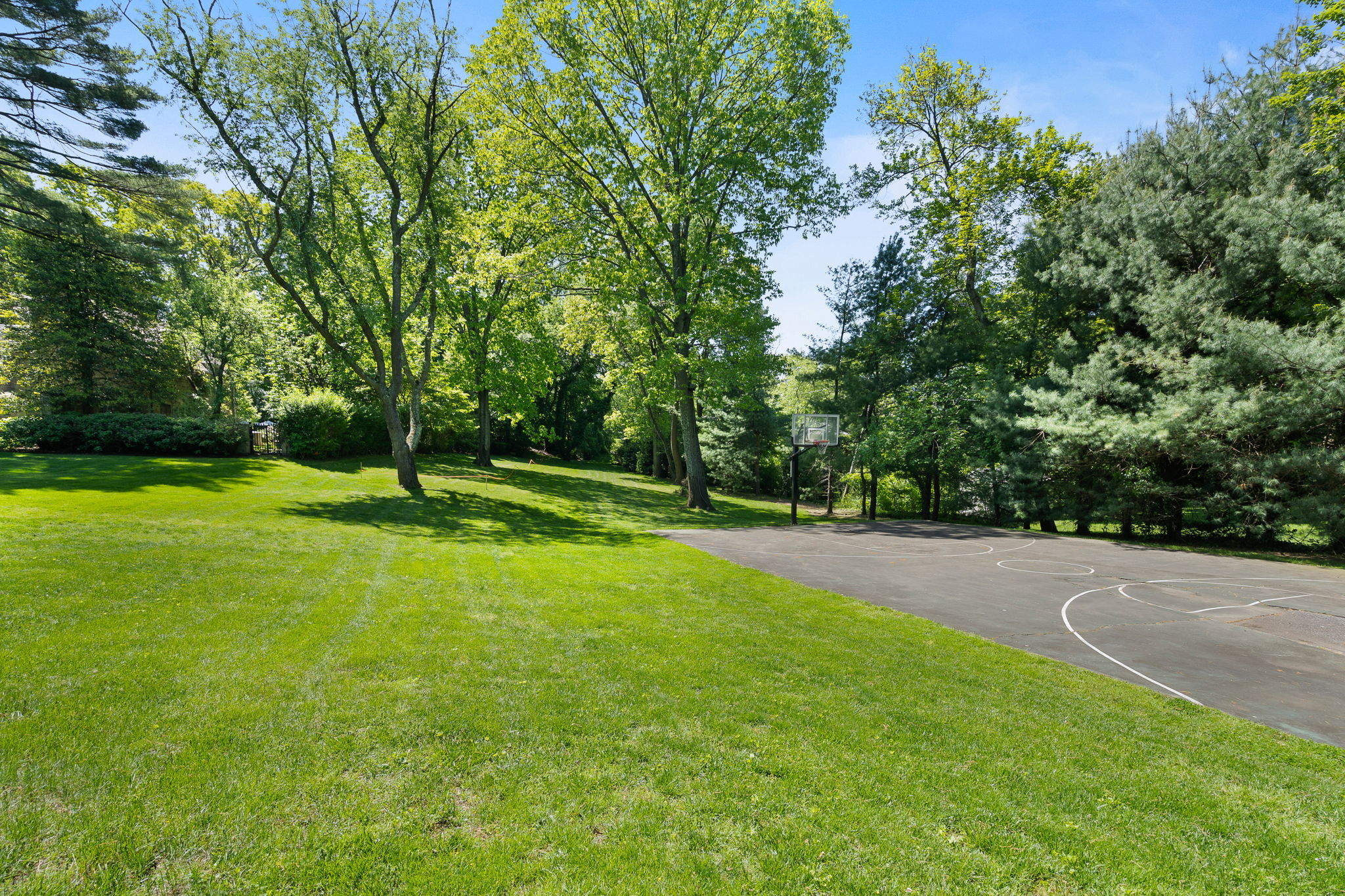 2a Melby Ln, East Hills, NY 11576, US Photo 88