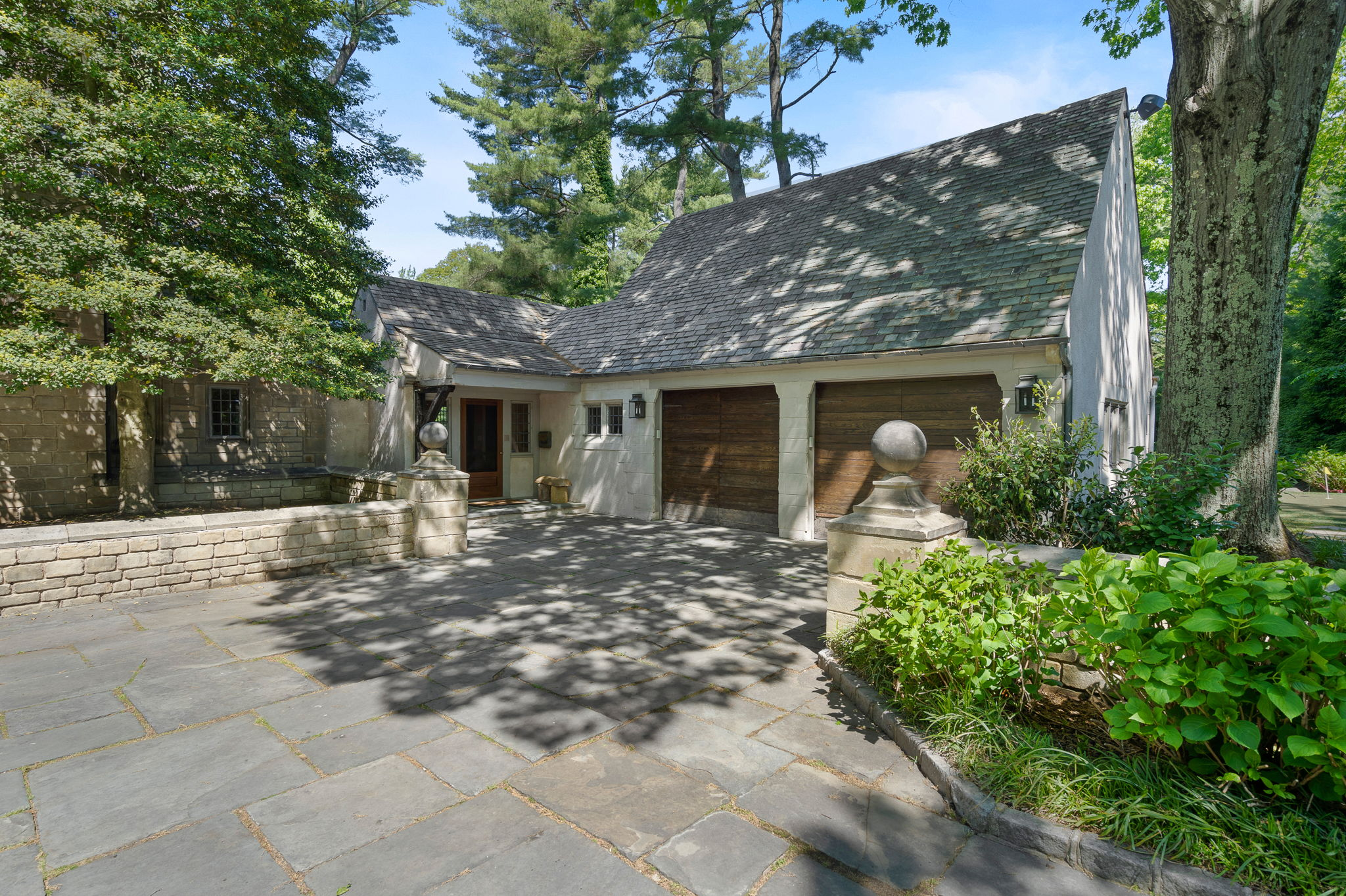2a Melby Ln, East Hills, NY 11576, US Photo 7