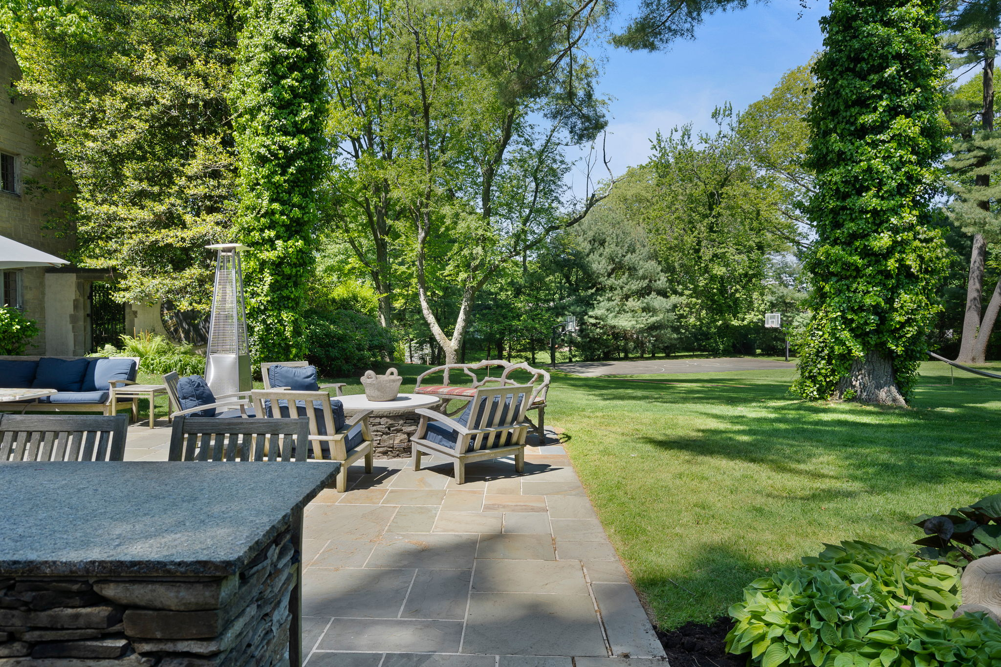 2a Melby Ln, East Hills, NY 11576, US Photo 76