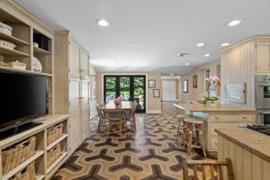 2a Melby Ln, East Hills, NY 11576, US Photo 27