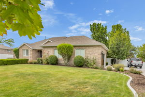 2768 Country Classic Dr, Bluffdale, UT 84065, US Photo 8