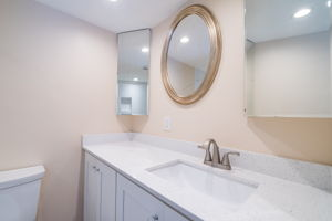 33 Colonial Club Dr, Boynton Beach, FL 33435, USA Photo 17