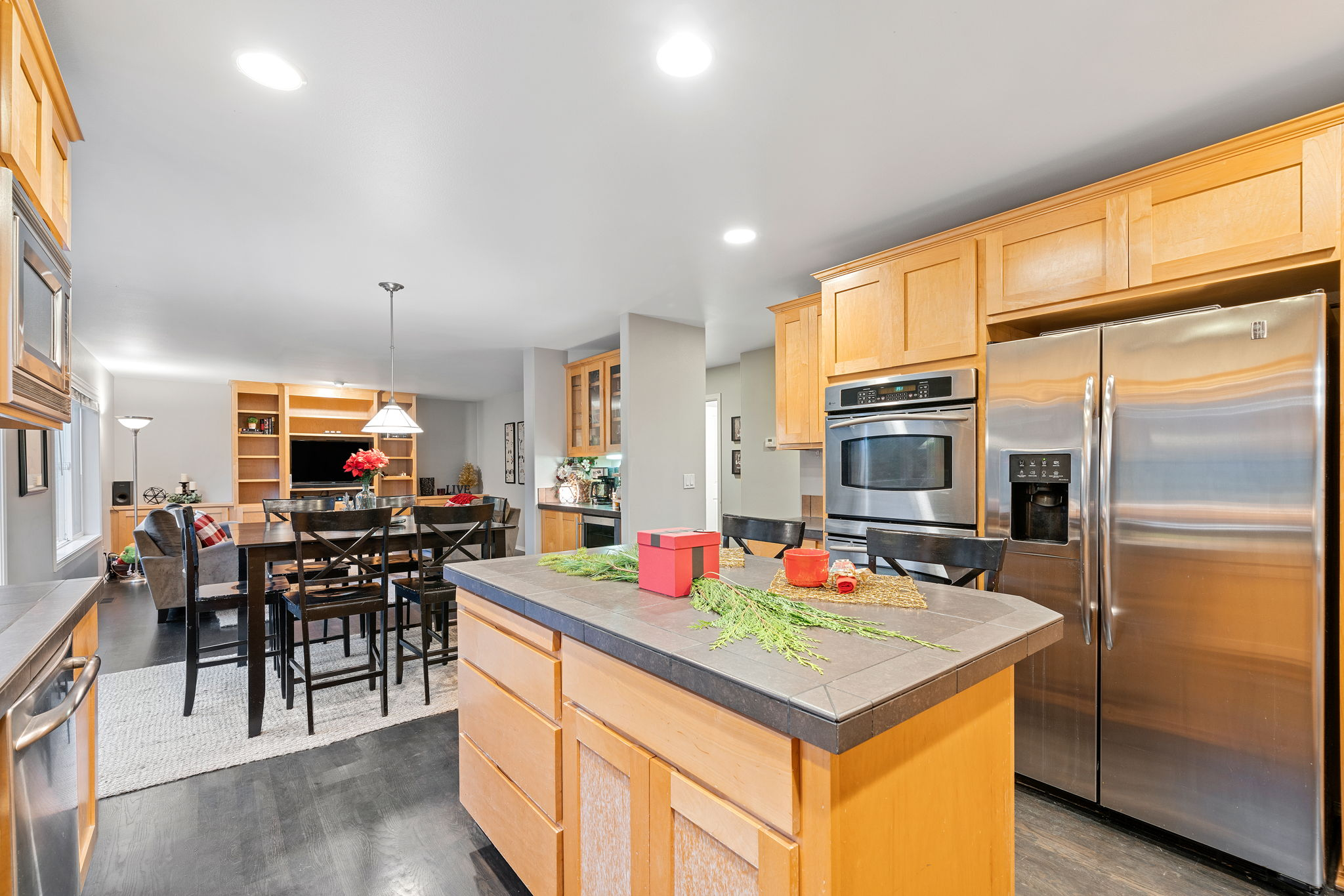 Kitchen blends into secondary dining and large family room. Fantastic for family gatherings!