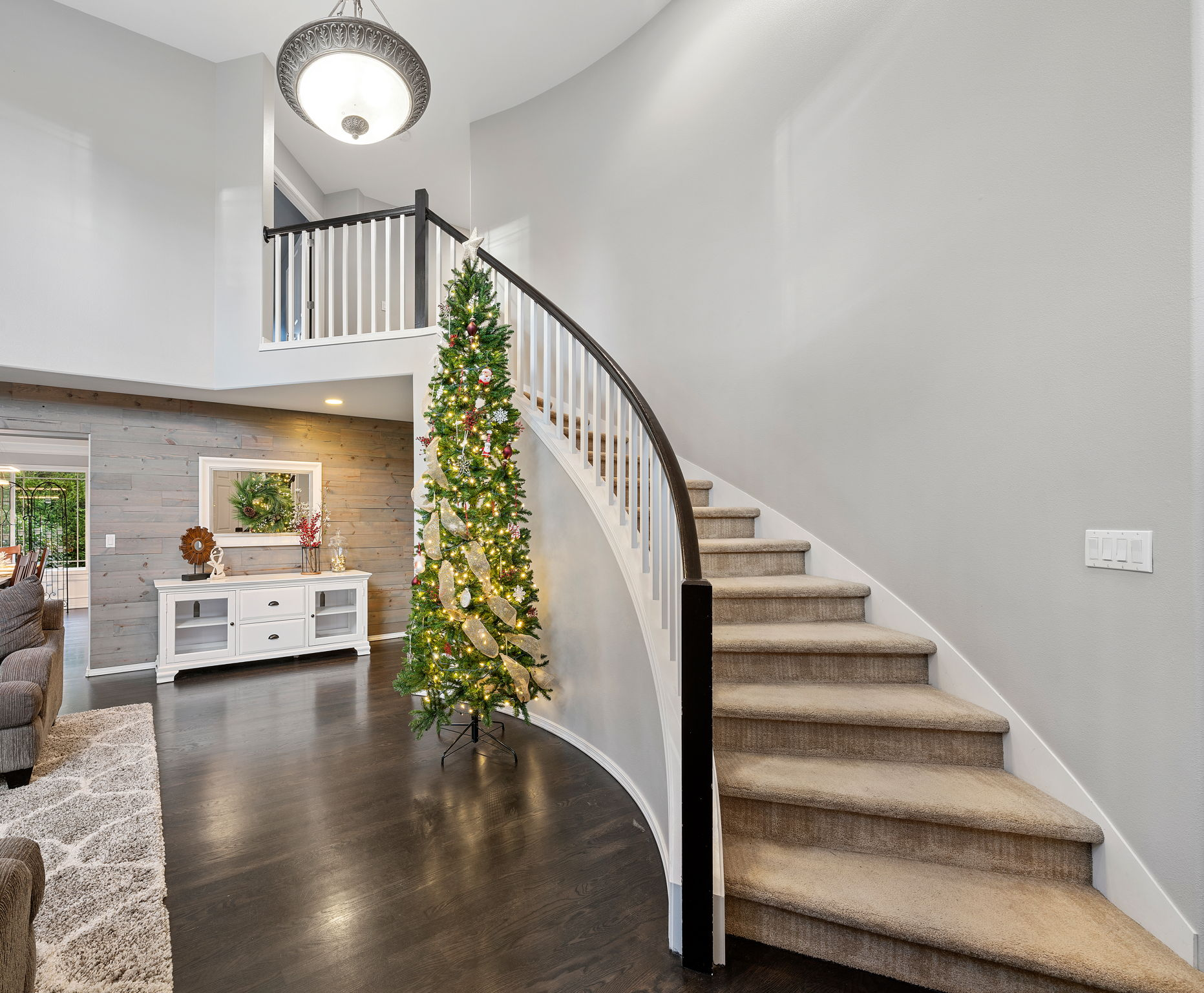 Grand sweeping staircase