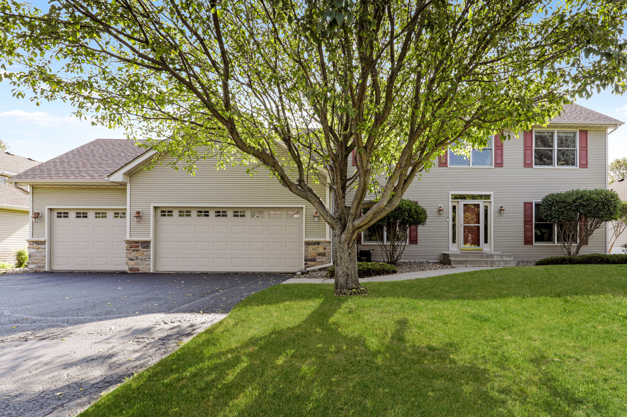 6652 Clearwater Creek Dr, Lino Lakes, MN 55038, USA Photo 1