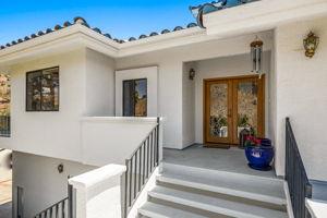 552 N Victoria Ave, Ventura, CA 93003, US Photo 5