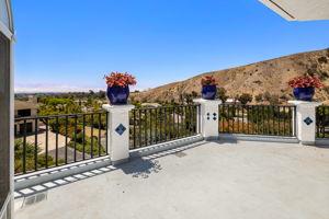 552 N Victoria Ave, Ventura, CA 93003, US Photo 29