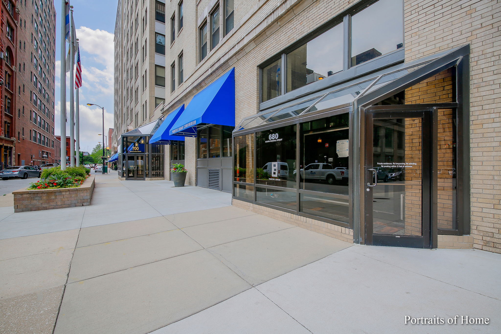 680 S Federal St, Chicago, IL 60605, USA Photo 1