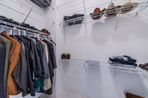 Master Bedroom Walk-in Closet2