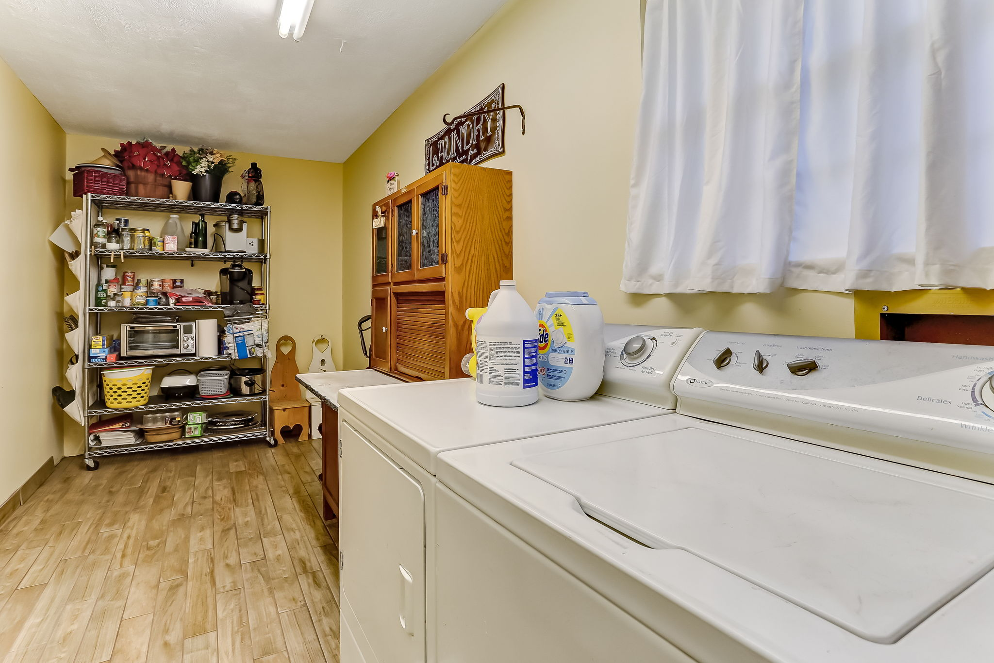 Extra large pantry, laundry and mudroom off kitchen