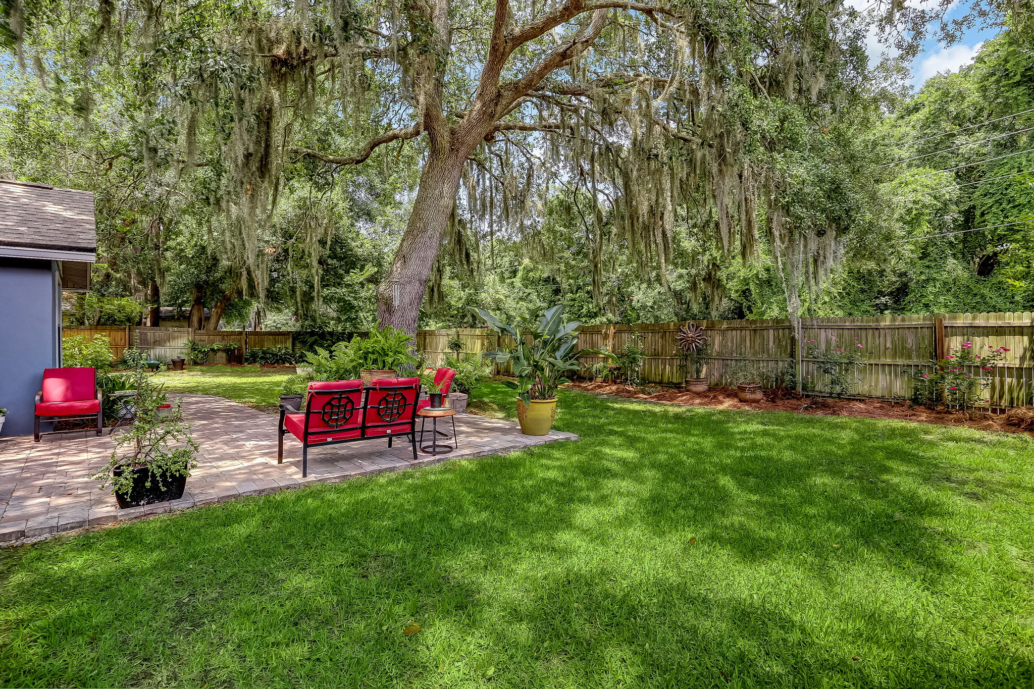 Nice flat lot ready for your outdoor living!