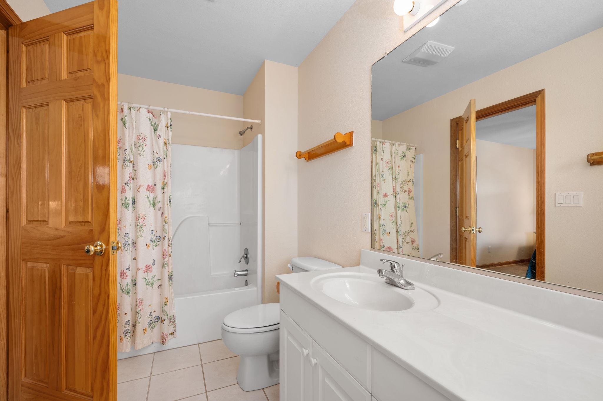795 Mercury Road   Mid Level Bedroom 4 - Private Bath