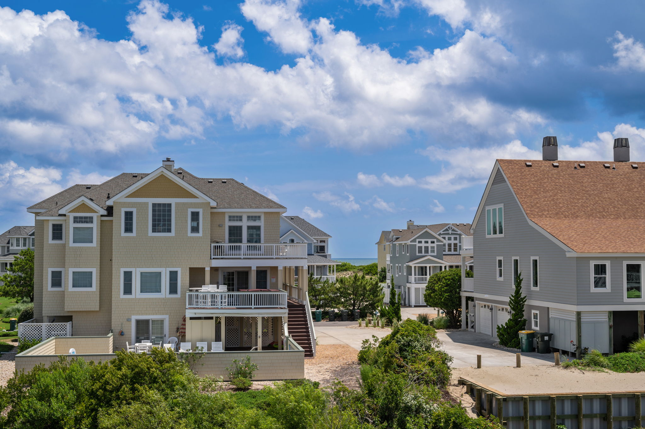 795 Mercury Road   Top Level Living Area - Rear Deck View