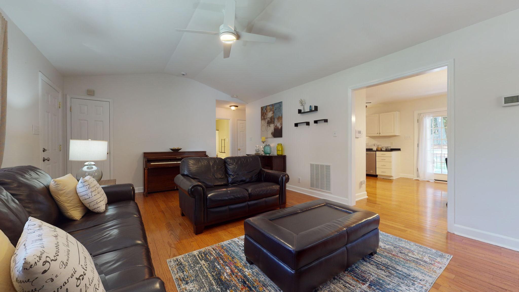 908 E Hudson Ave, Durham, NC 27704, USA Photo 20